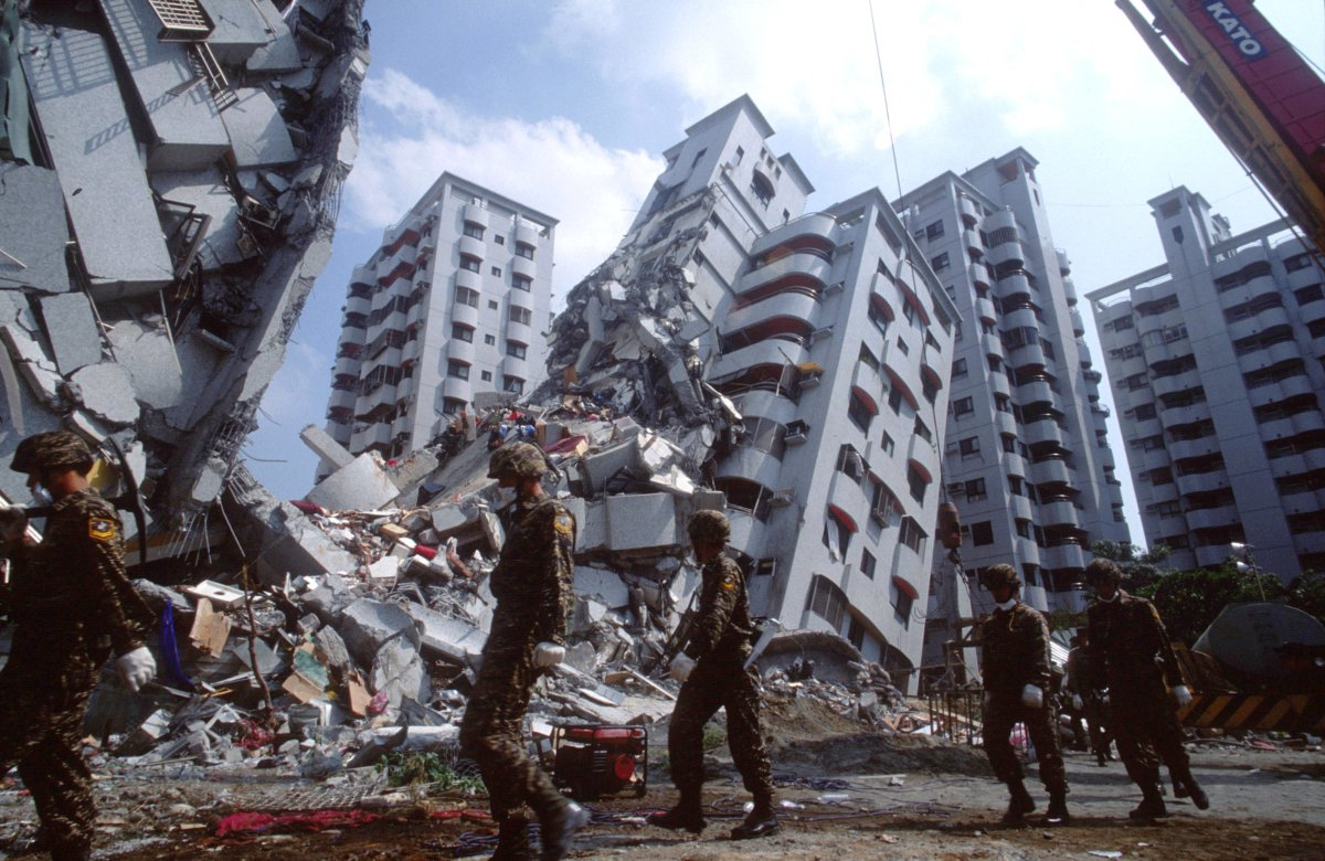 How-To-Prepare-For-Earthquakes-PrepStore